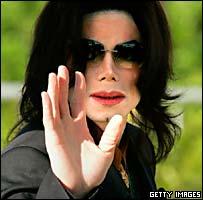 Michael Jackson arrives at court