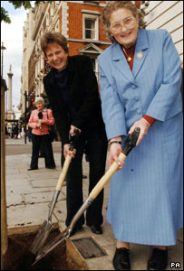 Anna Tribe (right), and her daughter Mary Arthur plant a tree to commemorate victory at the Battle of Trafalgar 200 years ago