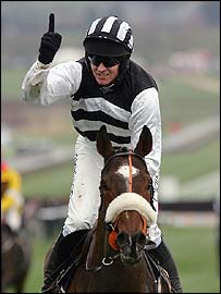 Barry Geraghty celebrates success on Moscow Flyer