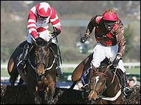 Thisthatandtother and Fondmort fight it out at Cheltenham