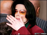 Michael Jackson arrives at court in Santa Maria