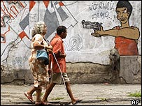 Graffiti showing gun use in Brazilian shantytown