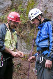 Hadyn Griffiths shows Sir Ranulph Fiennes the ropes