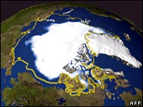 Nasa photo showing ice cover in September 2005 and as it was in September 1979