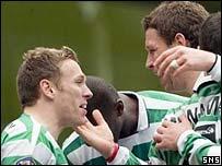 Craig Bellamy celebrates with Alan Thompson