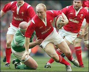 Tom Shanklin bursts through for Wales