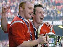 Martyn Williams and Kevin Morgan celebrate Wales' victory