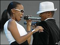 Mafikizolo singers Nontlantla Mafu and Theo Patakaosinkwe