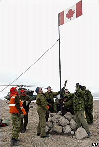 Canadian forces raise flag on Hans Island