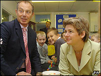 Tony Blair and Ruth Kelly on a school visit