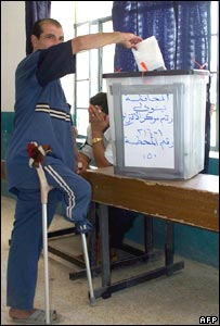 An Iraqi cast his vote in Mosul, capital of Nineveh province