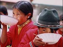 Niñas en Ecuador, 2003 (c) PMA/ Carlos Igamba Achango