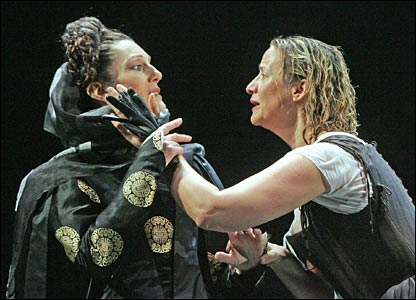 Harriet Walter (l) and Janet McTeer in Mary Stuart at the Apollo theatre, London