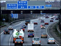 Cars on the M25 (BBC)