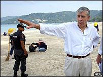 Foreign Secretary Jack Straw visits tsunami-hit Phuket, Thailand