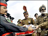 Indian and Pakistan border guards at Wagah