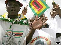 Ruling party Zanu-PF supporters in Zimbabwe, March 2005