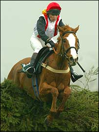 Carrie Ford rides Forest Gunner at Aintree last year