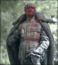 Franco statue in Guadalajara (picture: El Mundo)