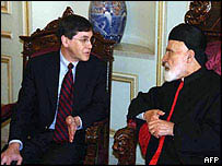 David Satterfield talking to Maronite patriarch during a previous visit