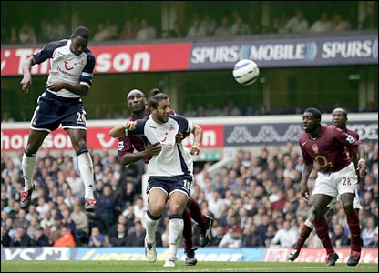 Ledley King puts Spurs 1-0 up