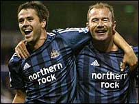 Michael Owen (left) and Alan Shearer