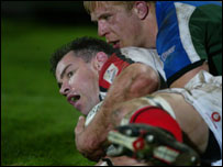 Andy Ward (left) scores Ulster's first half try