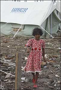 Joven refugiada en un campamento de Banda Aceh