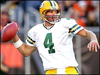 Brett Favre in action against Cincinnati