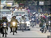 Funeral procession for army major in Colombo