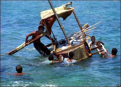 Кубинцы на самодельном плоту