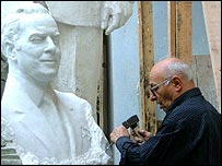 Omar Eldarov with sculpture