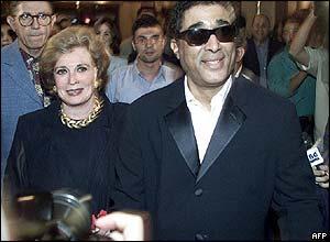 Ahmed Zaki escorts Jihan al-Sadat to screening of Days of Sadat in 2001
