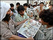 Pakistani deported from Oman arrive in Karachi
