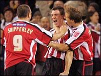 Sheff Utd celebrate as they sink Luton