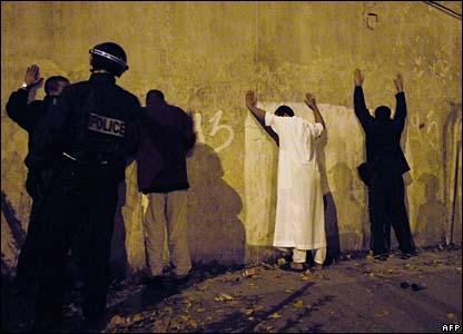Police make arrests in Clichy