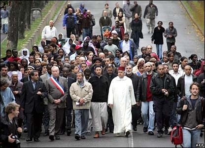 Residents of Clichy-sous-Bois march on 29 October