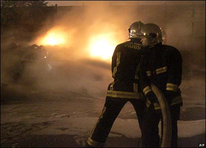 Firefighters on duty in Clichy-sous-Bois