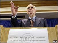 Paul Volcker presents his report