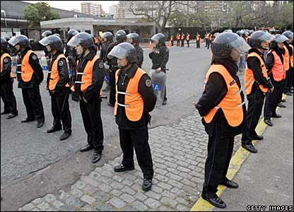 Police officers seal off the US embassy in Buenos Aires
