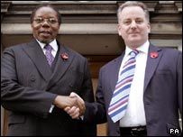 President Mutharika shaking hands with Jack McConnell
