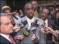 "Johnnie Cochran (r) with Sean ""Puff Daddy"" Combs in 2000"