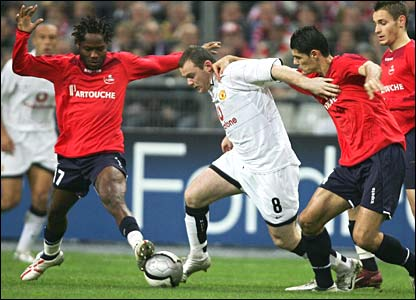 Manchester United's Wayne Rooney in action against Lille in Paris