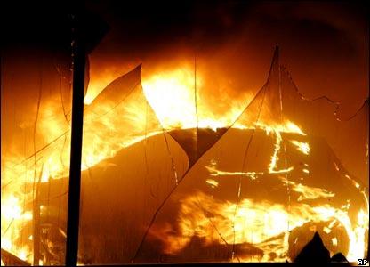 Riot scenes in Paris suburb, Aulnay-sous-Bois, 3 Nov 2005
