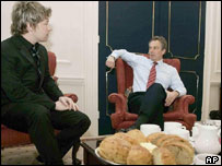 Jamie Oliver talking with Tony Blair in Downing Street on Wednesday