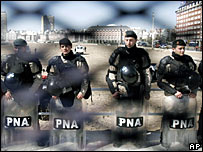 Argentine police at Mar del Plata summit