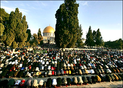 Muslims pray at the Al-Aqsa mosque compound in Jerusalem's Old City