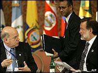 El secretario general de la OEA, José Miguel Insulza, junto al canciller argentino, Rafael Bielsa.