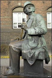 Statue of Hans Christian Andersen in Copenhagen