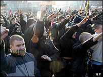 Ultra-nationalist demonstrators march in Moscow, 4 Nov 05